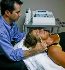 How Can I Have A Face Lift Without Surgery doctor and patient